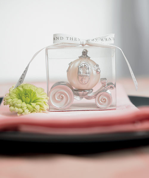 www.weddingfavoursaustralia.com.au/products/cinderella-wedding-carriage-candle