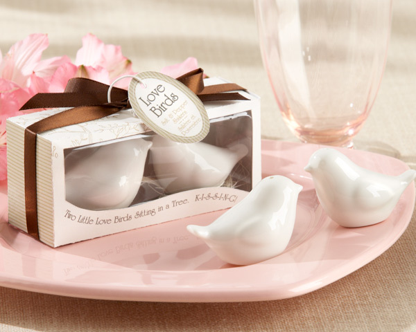 http://www.weddingfavoursaustralia.com.au/products/lovebirds-in-the-window-ceramic-salt-and-pepper-shakers