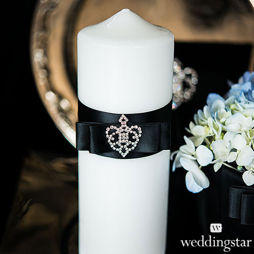 http://www.weddingfavoursaustralia.com.au/products/beverly-clark-the-crowned-jewel-collection-unity-candle-1
