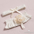 Beverly Clark's La Fleur Bridal Garter Belt Set
