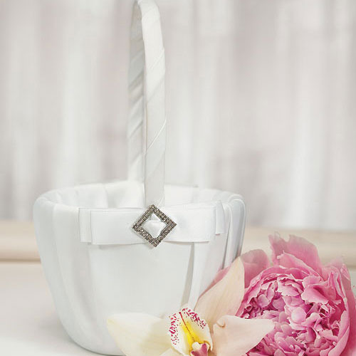 http://www.weddingfavoursaustralia.com.au/products/pure-elegance-in-wedding-white-flower-girl-basket